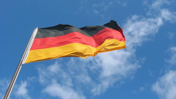 Is Rose-Möhring Nitpicking the German Anthem?