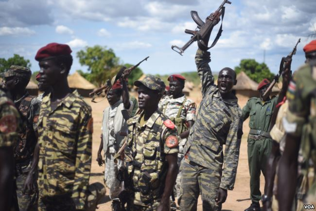SPLA_soldiers_near_Juba_(April_2016)_1